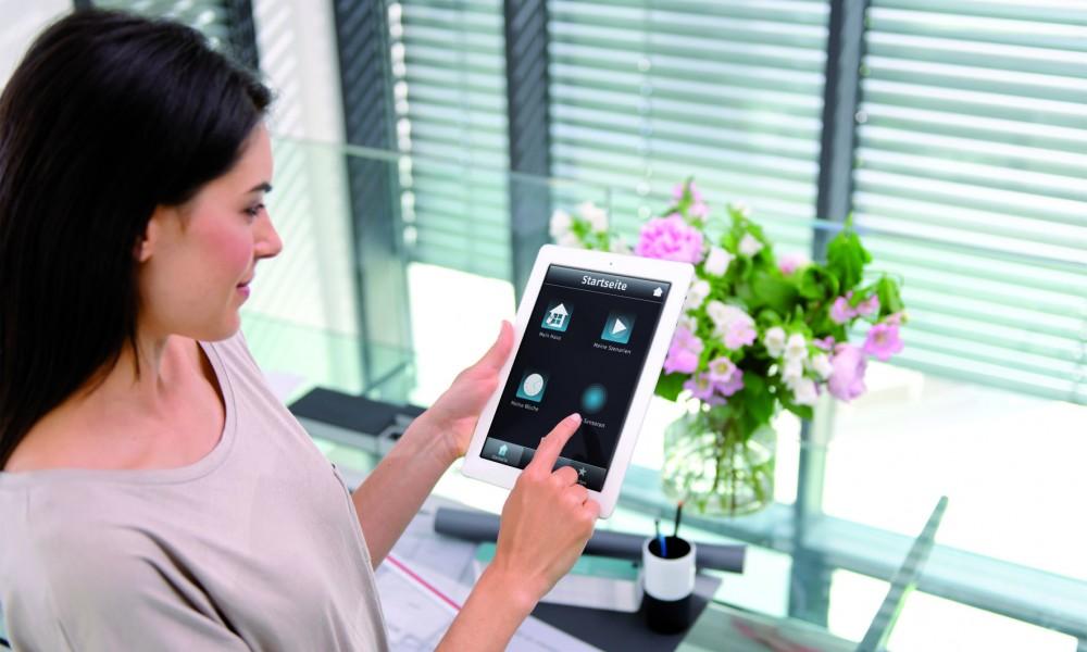 heimsteuerung smart home f r jeden anspruch vernetzte welt. Black Bedroom Furniture Sets. Home Design Ideas