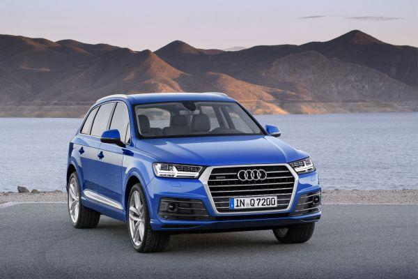 Audi Q7 Blau