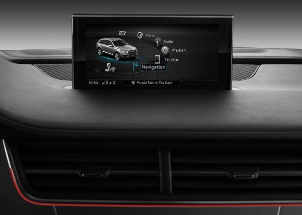 Audi-Q7 MMI Display - vernetztes Auto