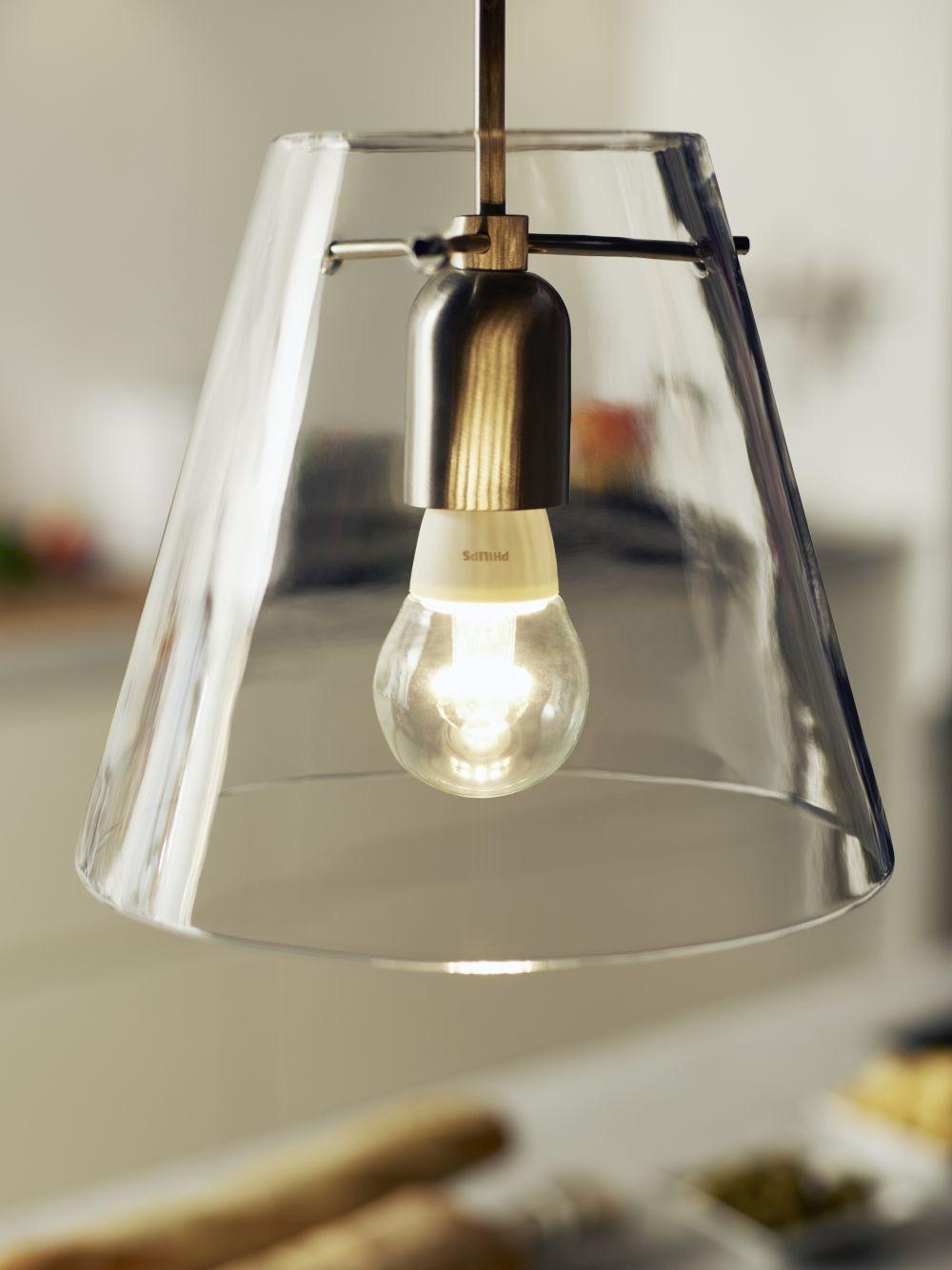 Energiesparen und Vernetzung: Philips WarmGlow LED Lampe Tropfen