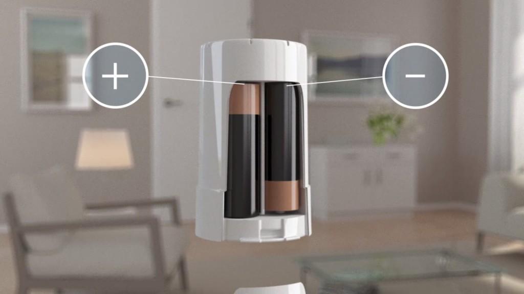 Devolo Home Control: Batterie in Smarte Heizkörperthermostate einlegen