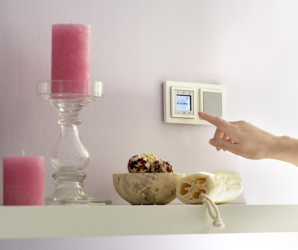 Smart-Home verstehen: Wandradio von Berker