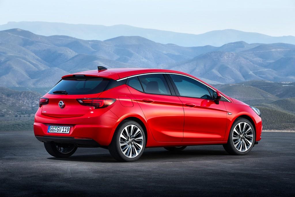 Opel Astra 2015 hinten