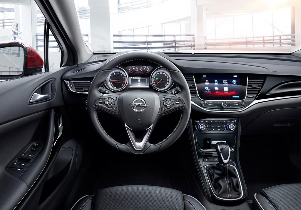 Opel Astra 2015 innen