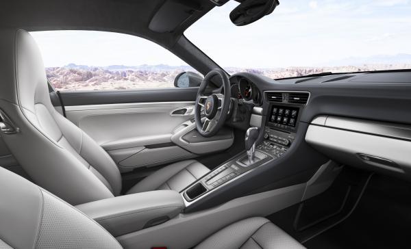 Cockpit Porsche 911 mit PMC