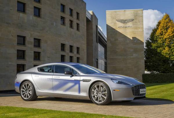 Aston Martin RapidE - vernetztes Auto