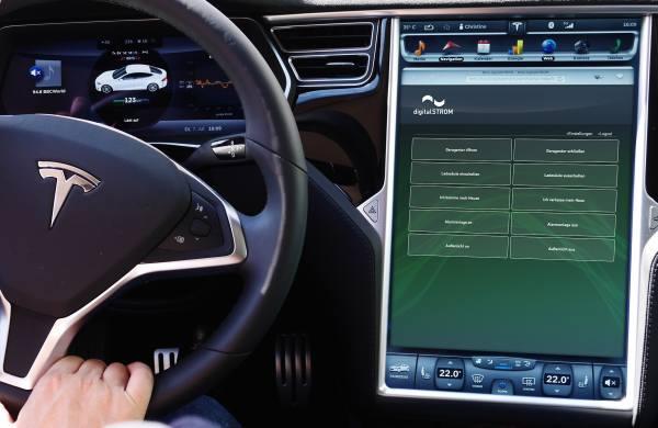DigitalSTROM und Tesla