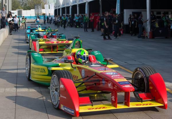 Formel-E: Boxegasse
