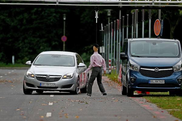Opel vernetzt: Unfall-Szenario
