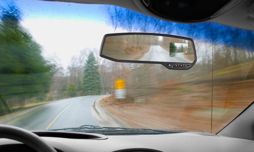 Aiptek GS 372 Dashcam als Rückspiegel mit Display