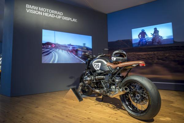 BMW CES 2016 Heads up Display Motorrad