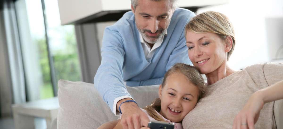 fibaro home center lite smart home zentrale im mini format vernetzte welt. Black Bedroom Furniture Sets. Home Design Ideas
