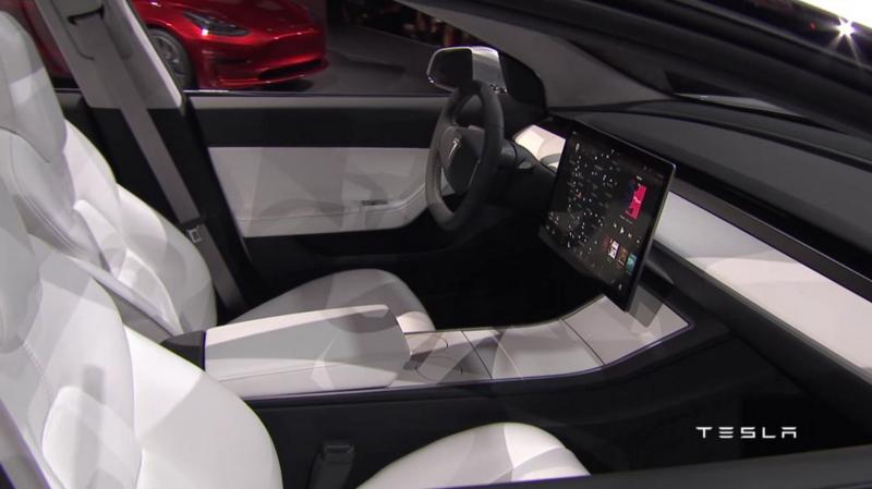 Tesla Model 3: Im Innenraum wird es wieder einen sehr großen Monitor geben.