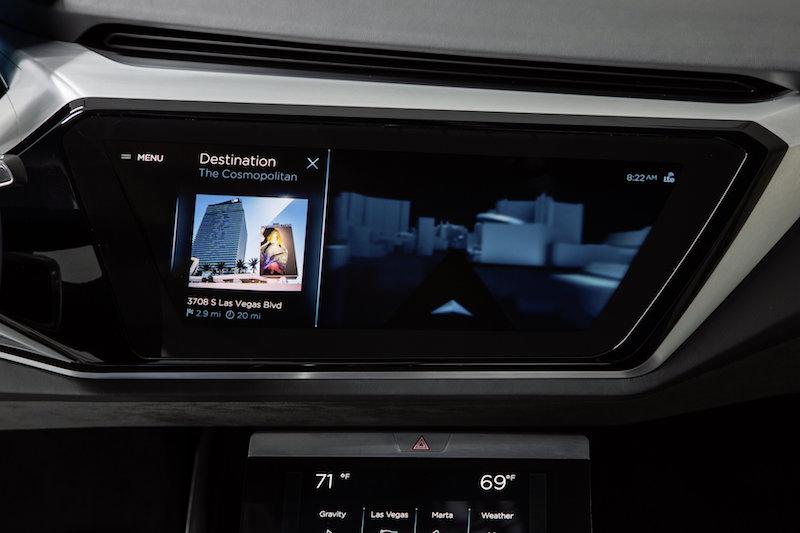 Noch ist dieser Monitor nur in einem Konzept-Fahrzeug eingebaut, aber die Techniker in Ingolstadt werden bald hochmoderne Connect-Systeme für die Serie anbieten.