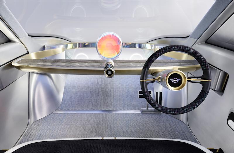 MINI Vision Next 100: Ob mit oder ohne Seuer, der Fahrer hat die freie Wahl.