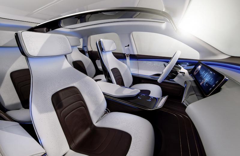 Die Generation EQ von Mercedes-Benz soll mehr Lounge und klare Kommunikation sein.