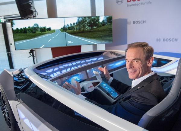 Bosch Future: Für Bosch CEO Dr. Denner werden in naher Zukunft Autombile, Smart-Homes und Mobilitätsanbieter noch besser kommunizieren.