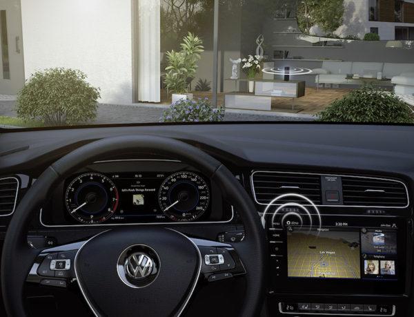 Volkswagen CES 2017: Always on - In Zukunft sollen auch dreidimensionale Objekte virtuell vor das Fahrzeug projeziert werden.