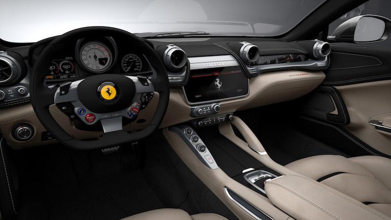 Praxistest Ferrari GTC4Lusso - Zwei Monitore plus Apple CarPlay, dieser Ferrari kann nicht nur mit 690 PS umgehen, er ist kann auch bestens kommunizieren.