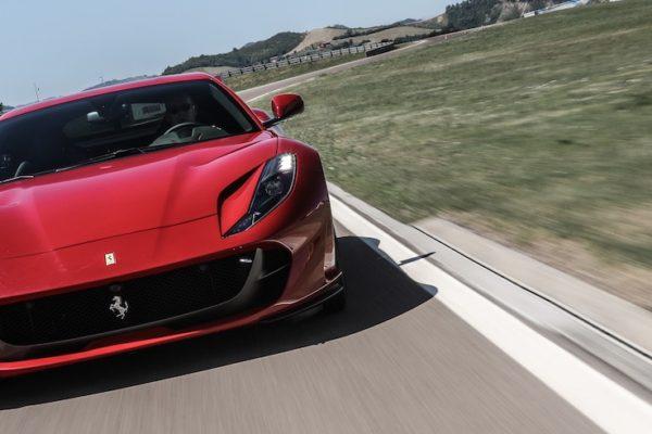 Praxistest: Ferrari 812 Superfast – 800 PS vernetzt