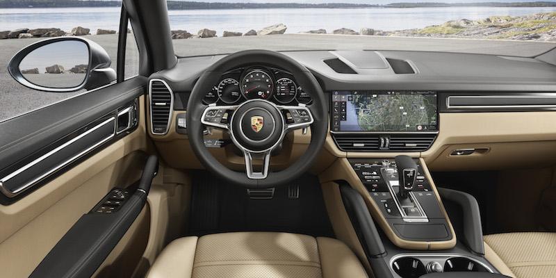 Porsche Cayenne 2018 - Sieht nicht nur gut aus, ist auch leicht bedienbar und liefert reichlich Live-Infos. Der 12,3 Zoll Monitor im neuen Cayenne.