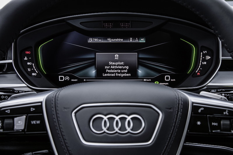 Audi A8: Connected Superstar - Fahrerdisplay